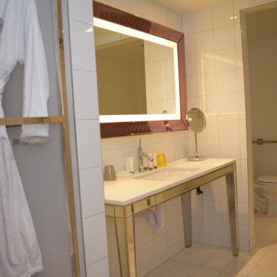 SLS Las Vegas LUX tower bathroom